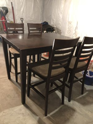 Dining table with four chairs for Sale in Riverdale, IA