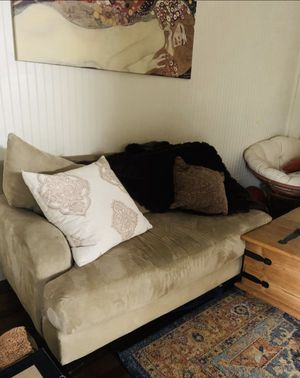 Super comfy loveseat/couch 😊😍! for Sale in Concord, CA