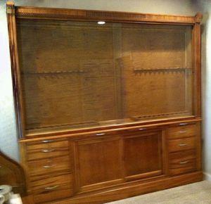 Antique Gun Cabinet for Sale in Spartanburg, SC