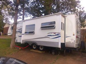 Cougar Fifth Wheel Camper for Sale in Nashville, TN