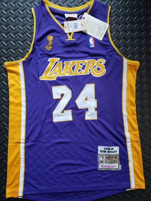 Kobe Bryant - 2008/2009 Lakers Jersey size Large for Sale in Hoffman Estates, IL