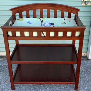 Baby Diaper Changing Table for Sale in Dallas, GA