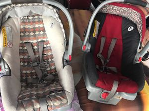 Graco click connect car seats with bases for Sale in Chicago, IL