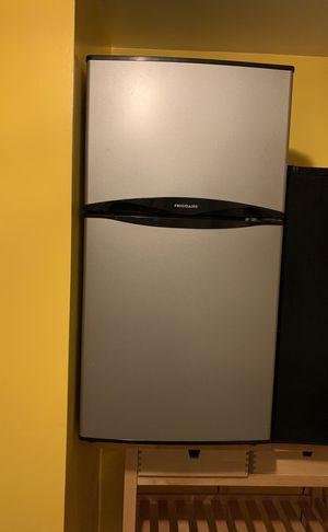 Mini fridge and mini fridge with freezer for Sale in Portland, OR