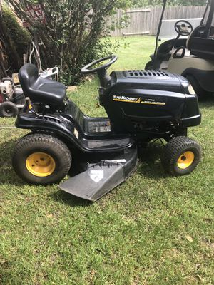 Lawn tractor. 38 inch mower mulches for Sale in IL, US