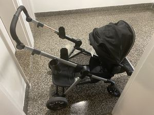 Double stroller Evenflo Pivot car seat included for Sale in Queens, NY