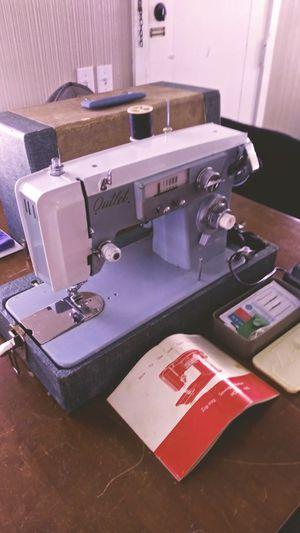 Vintage sewing machine for Sale in OCEAN BRZ PK, FL