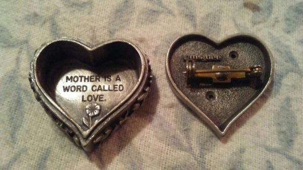 Ms dee genuine pewter ❤ with mother on it trinket box top is a pin
