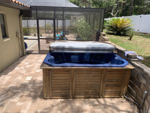 SMI 6 Person Jacuzzi /Hot Tub for Sale in Spring Hill, FL