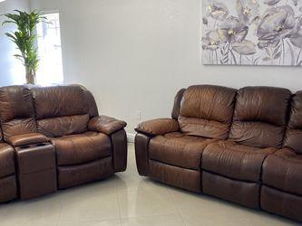Two Sofas 3 Seater And 2 Seater/ Dos Sofas De Tres Asientos Y De Dos for Sale in Hialeah,  FL