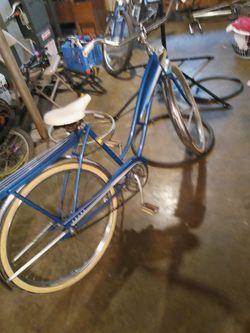 Vintage Sears Bike. Great Conditon for Sale in Clarksburg,  WV