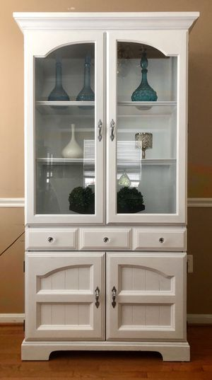 China Cabinet Snow White for Sale in Gainesville, VA