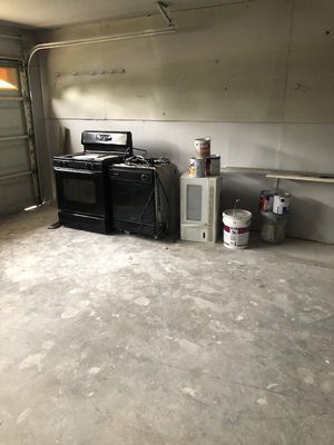 Gas stove, dishwasher and microwave for Sale in San Antonio, TX
