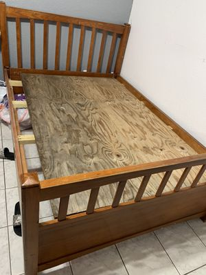 Free full bed and dresser for Sale in Hialeah, FL