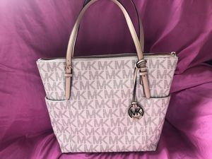 Brand New Michael Kors Purse (With Tags) for Sale in San Francisco, CA