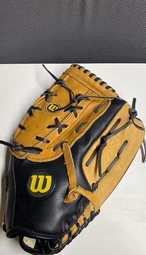 """WILSON A360 ADULT 14"""" SOFTBALL GLOVE right-handed thrower for Sale in Bloomington, CA"""