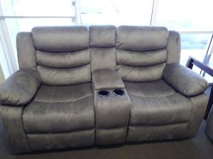 Ridgeway by standard reclining loveseat with console on sale for only 499 for Sale in Orlando, FL