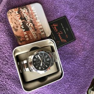 Fossil Men's Watch Silver/Black color 44mm for Sale in Carson, CA