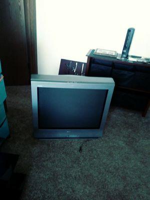 Free tv if u can haul u can take home for Sale in Wichita, KS