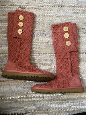 Used pink crochet ugg boots size 7 for Sale in Phoenix, AZ
