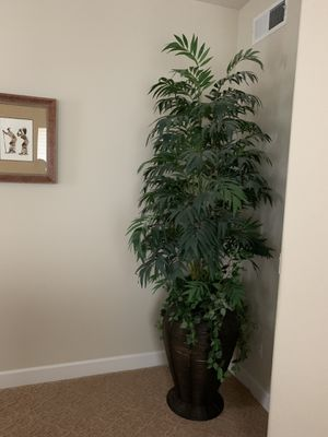 Artificial tree over 8-ft tall for Sale in San Ramon, CA