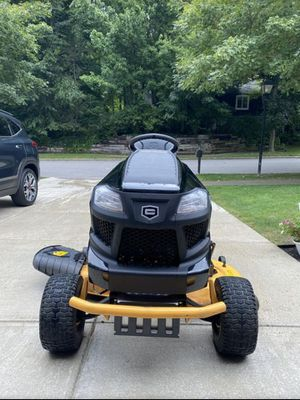 Lawnmower/Lawn Tractor Craftsman 8600 Pro Series. for Sale in Denver, CO