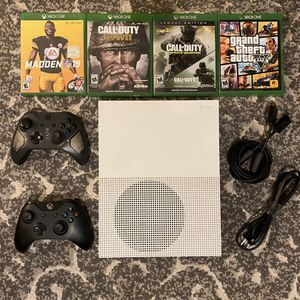 Xbox One S 500 gb w/ 2 controllers and games for Sale in Fort Lauderdale, FL