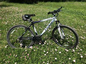 Women's Trek 4900 Alpha mountain bike for Sale in Dallas, TX