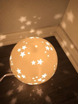 Star Light Projection Night Light - Pillowfort - $25 OR BEST OFFER for Sale in Los Angeles,  CA