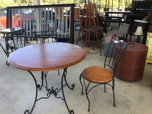 Breakfast Table with 2 chairs for Sale in Dripping Springs, TX