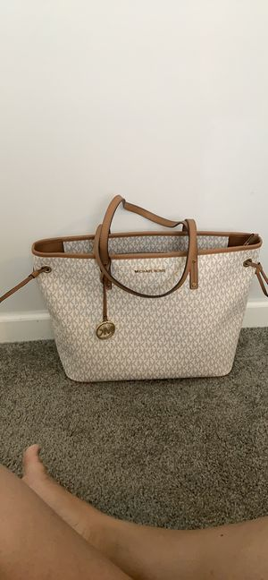 Michael Kors tote bag for Sale in Southington, CT