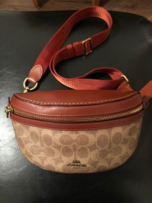 Coach purse for Sale in Reedley, CA