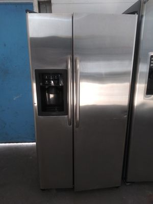 Ge SBS Refrigerator 3 months Waranty, like new for inf {contact info removed} for Sale in Tampa, FL