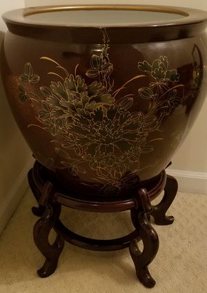 """Authentic oriental 20"""" ceramic pot with stand for Sale in Ashburn, VA"""