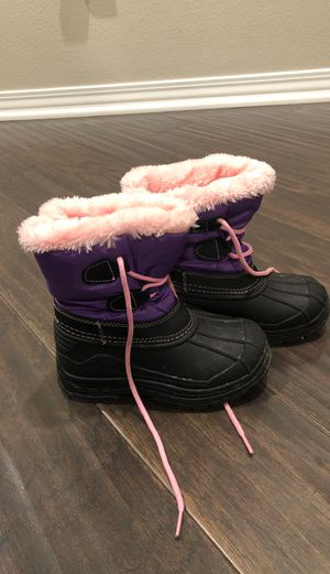 Girl's snow boots size 10 for Sale in Chino, CA