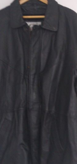 Leather Coat Long Excellent Condition for Sale in Queens,  NY