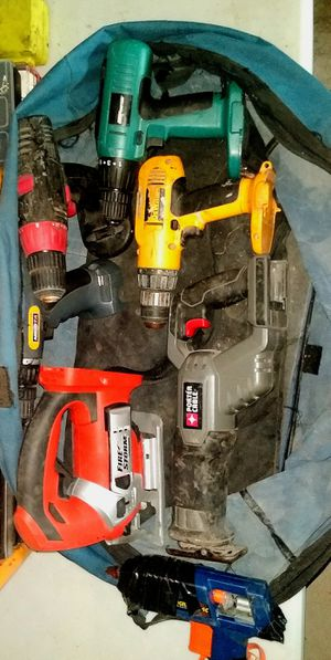 MIXED BAG OF POWER TOOLS LOT DEWALT - FIRE STORM - NIKOTA & MORE... NO BATTERIES OR CHARGERS (JUST TOOLS) ALL WORK PERFECTLY for Sale in Fresno, CA