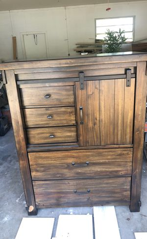 Dresser and nightstand for Sale in Town 'n' Country, FL