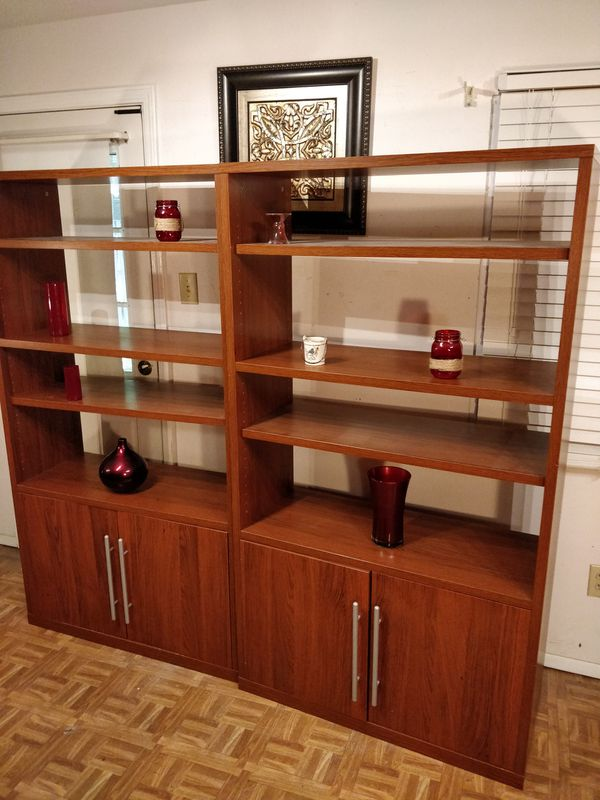 """Nice 2 bookcase with many shelves and cabinet in very good condition, pet free smoke free. L38.5""""*W16""""*H70"""""""