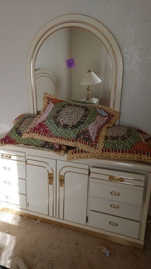 4 pice bedroom set for Sale in Payson, AZ
