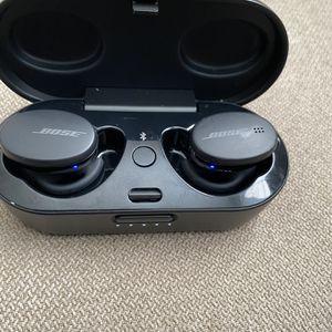 Bose Bluetooth Headphones for Sale in Newport News, VA