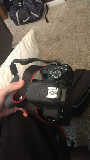 Canon EOS rebel t5i camera with accessories OBO for Sale in Lochbuie, CO