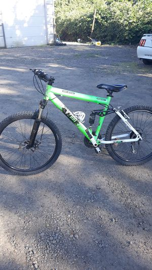 Mountain bike for Sale in Woodburn, OR