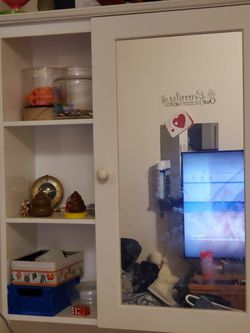 Pair Of White Cabinets With Mirrors for Sale in Yakima,  WA
