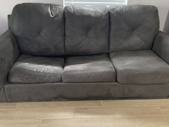 Grey couch for Sale in Homestead,  FL