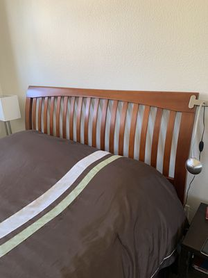 Queen size bed for Sale in San Ramon, CA