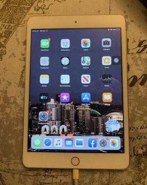 iPad mini 3 16 gb for Sale in Everett, WA