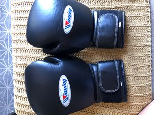 Winning 16oz Strap boxing gloves for Sale in Long Beach, CA