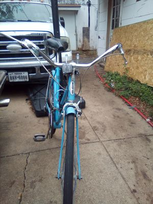 Schwinn bike with gears for Sale in Dallas, TX