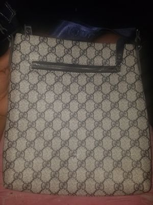 Men's Gucci bag for Sale in Cleveland, OH